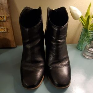 Black Clarks ankle boots, women's size 6